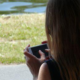 Smartphone; Handy; Digitalisierung; Digitale Demenz